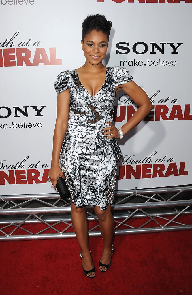 """Regina Hall Photos Photos - Premiere Of Sony Pictures Releasing's """"Death At A Funeral ..."""