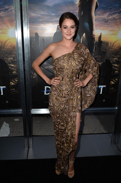 "Actrice Shailene Woodley arrive à la première de de Summit Entertainment ""Divergent"" au Théâtre Regency Bruin le 18 Mars 2014 à Los Angeles, en Californie."