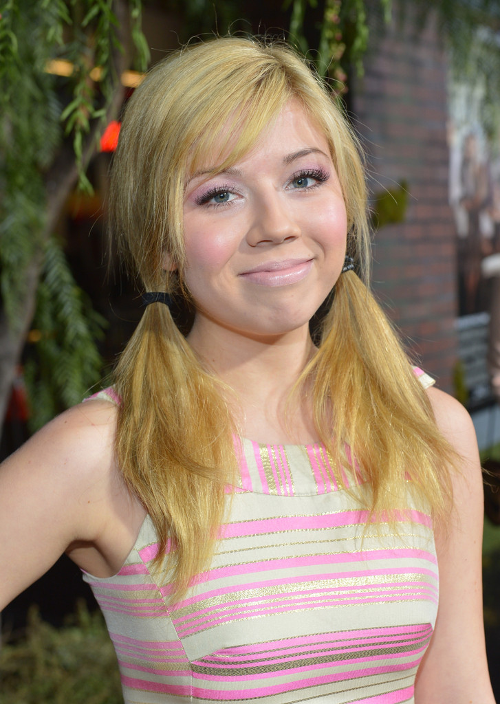 Jennette Mccurdy Photos Photos Premiere Of Warner Bros