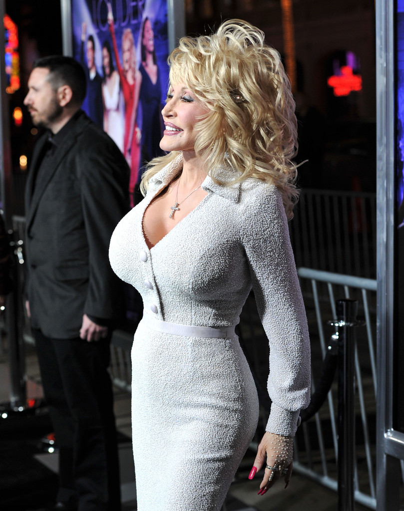 dolly parton in premiere of warner bros pictures joyful