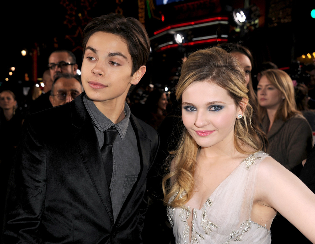 jake t austin and abigail breslin kissing scene - photo #5