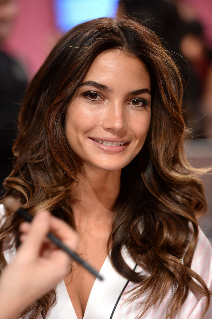 Lily Aldridge Photos Preparation For The Victoria S