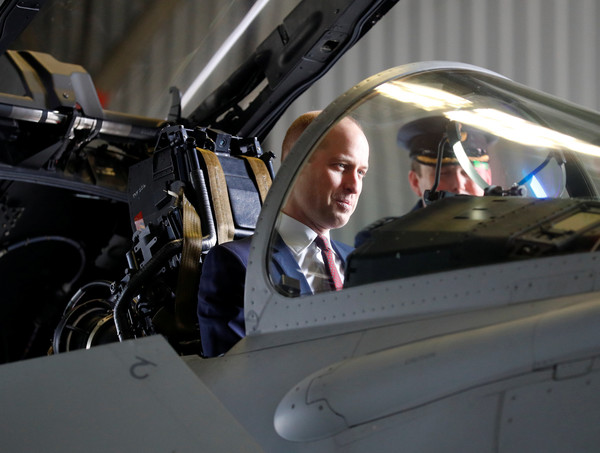 Prince+William+Duke+Cambridge+Visits+RAF+Coningsby+4TuQxtrWX5ql.jpg