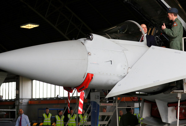 Prince+William+Duke+Cambridge+Visits+RAF+Coningsby+wo1SaTmIGqvl.jpg