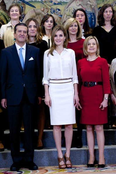 Princess Letizia of Spain receives representatives  of the magazine 'Hoy Mujer' at Zarzuela Palace on April 9, 2014 in Madrid, Spain.