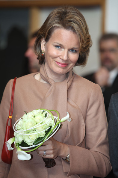 Prince Philippe And Princess Mathilde Of Belgium Visit Luxembourg [mathilde of belgium,philippe,smile,lady,floristry,bouquet,formal wear,ceremony,wedding,food,flower arranging,plant,visit,luxembourg,townhall,neufchateau,belgium]