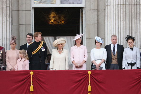 Trooping the Colour 2013. Queen+Elizabeth+II+Birthday+Parade+Trooping+8to_D-e3P60l