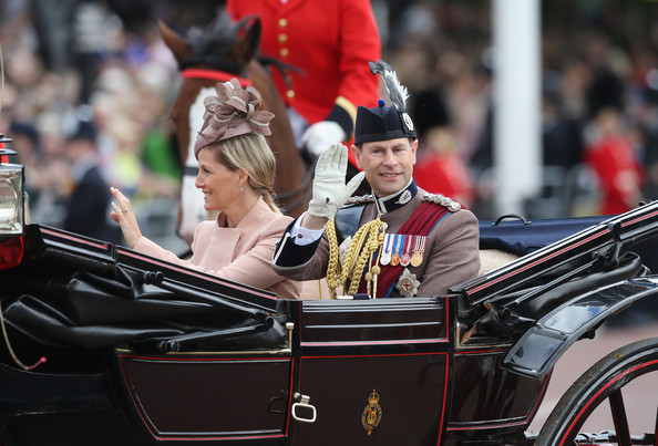 Trooping the Colour 2013. Queen+Elizabeth+II+Birthday+Parade+Trooping+r3EY4WHCBNBl