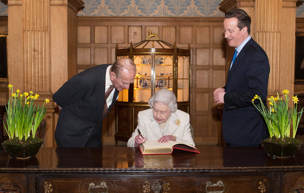 Queen Elizabeth Ii Visits The Pm S Residence