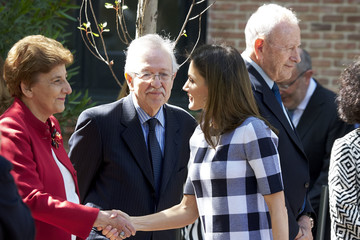 Queen Letizia of Spain Queen Letizia Of Spain Visit Students Residence