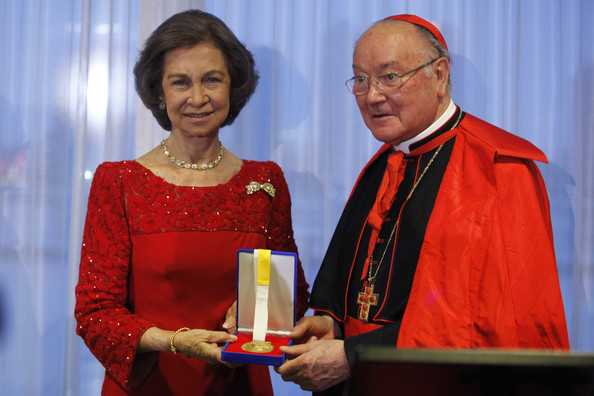 Spain's Queen Sofia Attends Path To Peace Presentation Ceremony In New York [event,cardinal,award ceremony,nuncio,bishop,award,sofia,renato martino,individuals,award,path to peace,peace,development,spain,united nations,queen sofia attends path to peace presentation ceremony in new york]