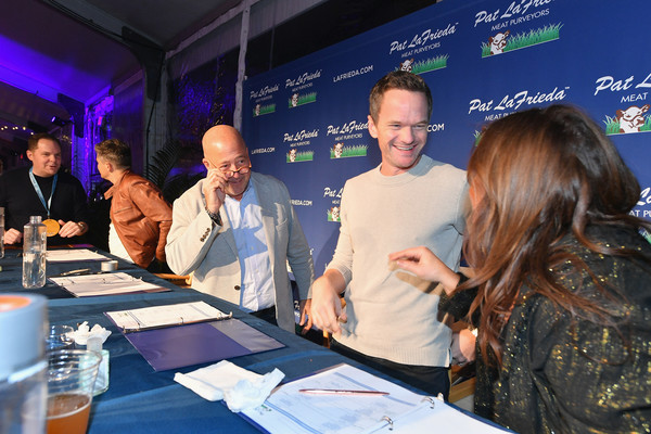Food Network & Cooking Channel New York City Wine & Food Festival Presented By Capital One - Blue Moon Burger Bash Presented By Pat LaFrieda Meats Hosted By Rachael Ray [product,event,employment,adaptation,convention,tourism,businessperson,company,management,meeting,rachael ray,pat lafrieda meats,neil patrick harris,andrew zimmern,food network,l-r,capital one,cooking channel,new york city wine food festival,blue moon burger bash]