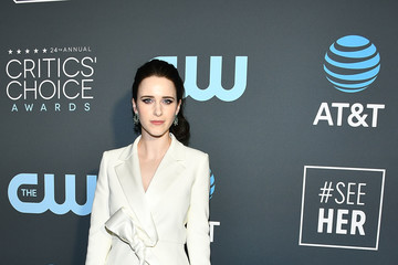 Rachel Brosnahan Claire Foy Accepts The #SeeHer Award At The 24th Annual Critics' Choice Awards