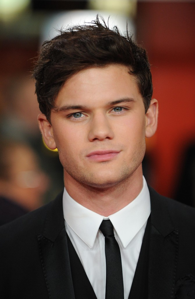 Jeremy Irvine in 'The ...