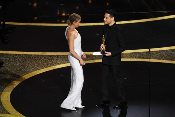 92nd Annual Academy Awards - Show [performance,event,dance,performing arts,dancer,talent show,choreography,performance art,stage,zellweger,actress,rami malek,award,l-r,ren\u00e3,role,show,92nd annual academy awards,walk,ren\u00e9e zellweger,rami malek,judy,academy awards,academy award for best actress,dolby theatre,photograph,livingly media,actor]