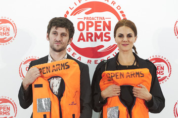 Raul Arevalo Javier Bardem And Penelope Cruz Raise Funds For Open Arms