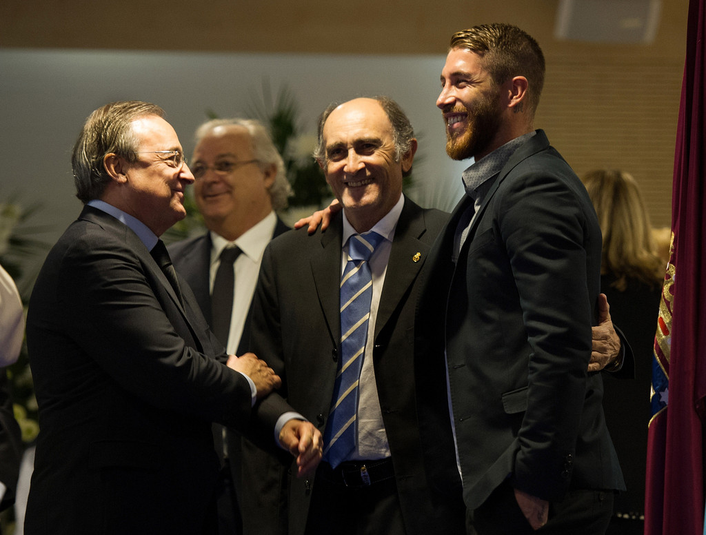 Sergio Ramos s s Real Madrid Honors the Late Alfredo