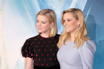 Reese Witherspoon Ava Phillippe 'A Wrinkle In Time' European Premiere - Red Carpet Arrivals