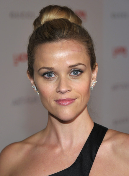 http://www1.pictures.zimbio.com/gi/Reese+Witherspoon+LACMA+Art+Film+Gala+Honoring+QM-k1Rsibrfl.jpg