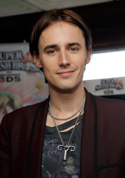 reeve carney height