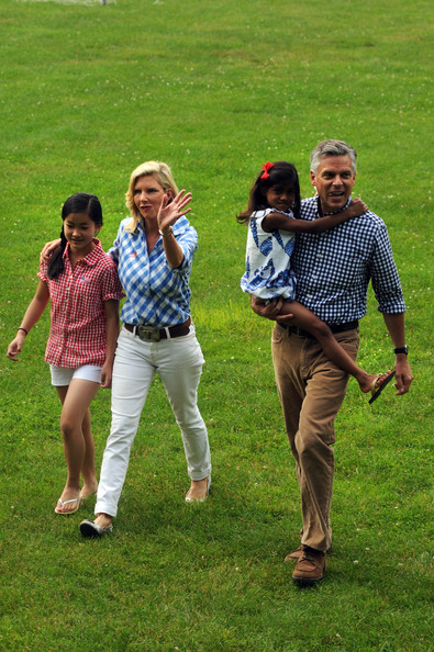 Republican Presidential Candidates Romney and Huntsman Attend July 4th ...