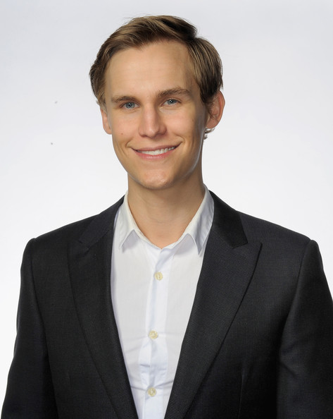 Rhys Wakefield Net Worth