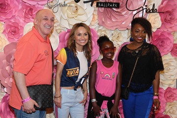 Richard Shaw Giada De Laurentiis Makes Celebrity Show Kitchen Chef Appearance At Las Vegas Ballpark