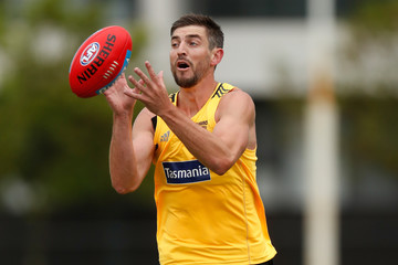 Ricky Henderson Hawthorn Hawks Press Conference & Training Session
