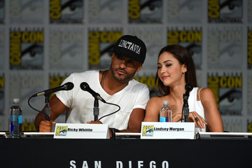 Ricky Whittle Lindsey Morgan Comic-Con International 2015 - 'The 100' Special Video Presentation And Panel