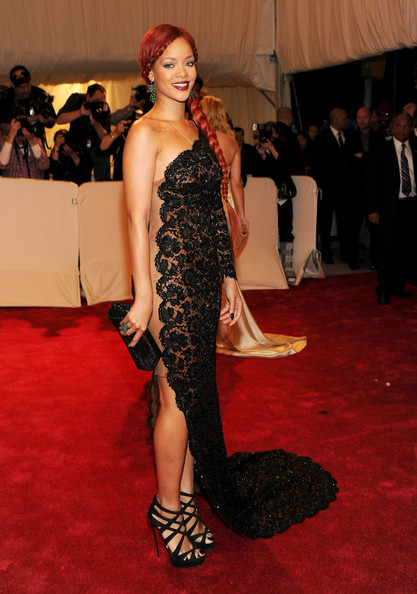 "Rihanna Singer Rihanna attends the ""Alexander McQueen: Savage Beauty"" Costume Institute Gala at The Metropolitan Museum of Art on May 2, 2011 in New York City."
