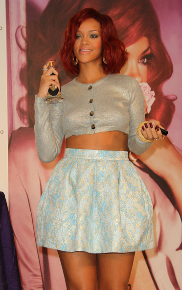 "Recording artist Rihanna attends the launch of ""Reb'l Fleur"" at Macy's Lakewood Mall on February 18, 2011 in Lakewood, California."