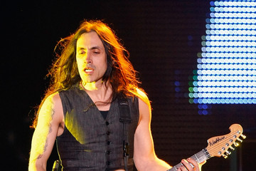 Nuno Bettencourt Rihanna In Concert At Mandalay Bay In Las Vegas
