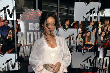 Rihanna Arrivals at the MTV Movie Awards — Part 2