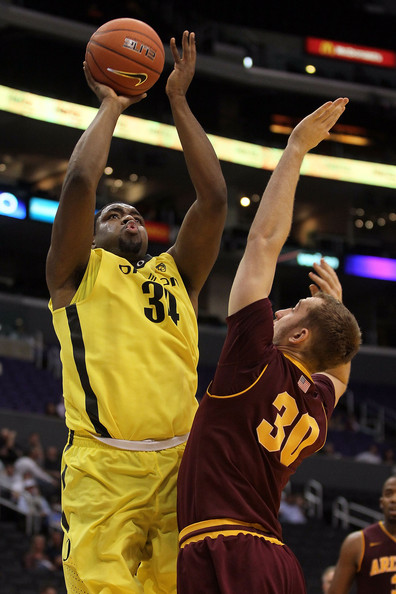 Pac 10 Basketball Tournament - First Round