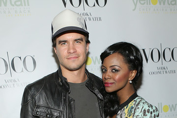 Rob Mayes Yellowtail Sunset Grand Opening