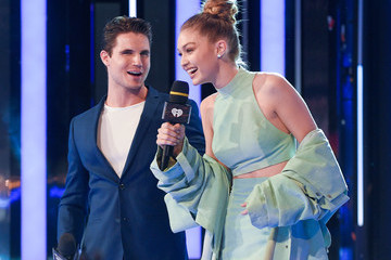 Robbie Amell 2016 MuchMusic Video Awards - Show