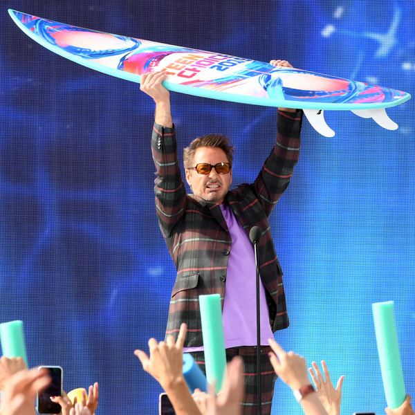 http://www1.pictures.zimbio.com/gi/Robert+Downey+Jr+FOX+Teen+Choice+Awards+2019+KtioocMIx5sl.jpg
