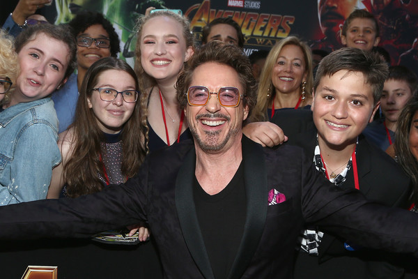 http://www1.pictures.zimbio.com/gi/Robert+Downey+Jr+Los+Angeles+Global+Premiere+10TUdmQvfE8l.jpg