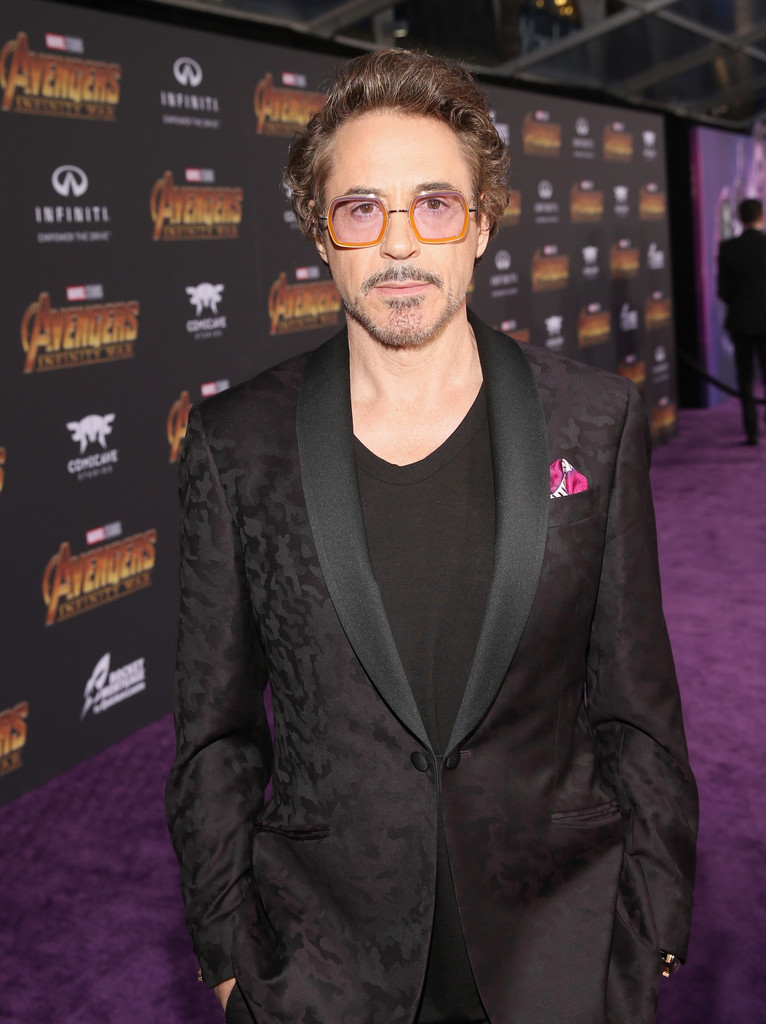 http://www1.pictures.zimbio.com/gi/Robert+Downey+Jr+Los+Angeles+Global+Premiere+qIj4Js6cBXex.jpg