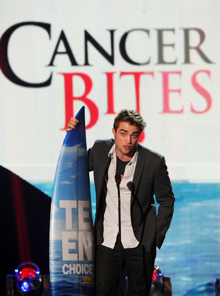 Robert Pattinson Actor Robert Pattinson accepts the Choice Vampire award onstage during the 2011 Teen Choice Awards held at the Gibson Amphitheatre on August 7, 2011 in Universal City, California.