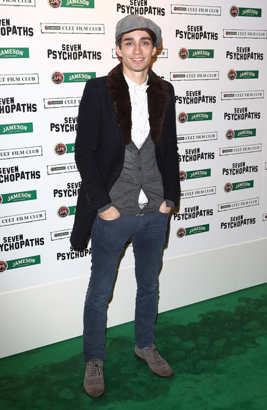 Robert Sheehan Robert Sheehan arrives at the Jameson Cult Film Club gala premiere of Seven Psychopathsat Oval Space on November 27, 2012 in London, England. Jameson Cult Film Club hosts immersive screenings of cult classics and new release 'Future Cult' films across the UK