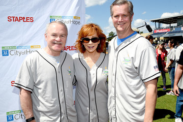 Robert Stone City of Hope Celebrity Softball Game - Arrivals
