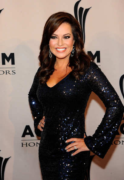 Robin Meade Pregnant http://denise-milan-jennifer-love-hewitt-ha.blogspot.com/2012/05/we-refuse-to-believe-her-producers-didn.html