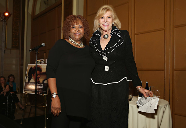 T.J. Martell Foundation 4th Annual Women Of Influence Awards New York - Inside [photo,event,fashion,meal,formal wear,dinner,official,robin quivers,martell foundation 4th annual women of influence awards,ceo,president,sue phillips,honoree,t.j.,new york,scenterprises]