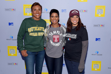 Robin Roberts MTV's 2017 College Signing Day with Michelle Obama - Arrivals
