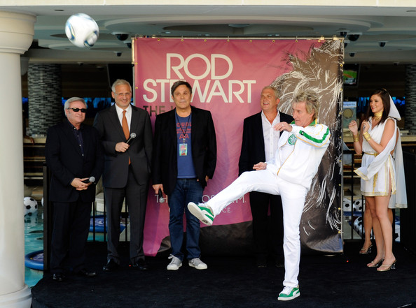 """""""Rod Stewart: The Hits."""" Launches At The Colosseum At Caesars Palace"""