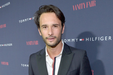 Rodrigo Santoro Zooey Deschanel Debuts New Capsule Collection — Part 2