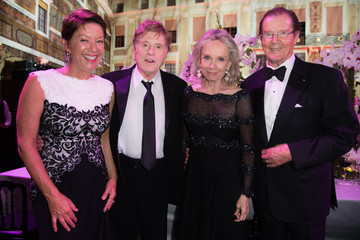 Roger Moore 2015 Princess Grace Awards Gala With Presenting Sponsor Christian Dior Couture