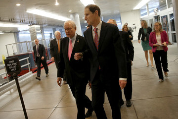 Ron Wyden Senate Lawmakers Briefed by Administration Officials on Paris Attacks