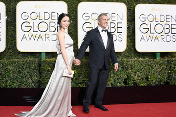 Rosalind Ross 74th Annual Golden Globe Awards - Arrivals